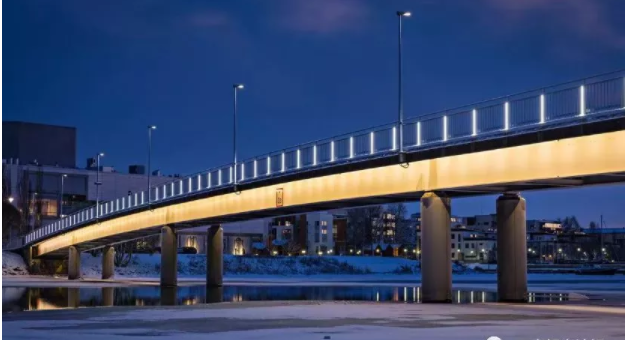 bridge linear lighting